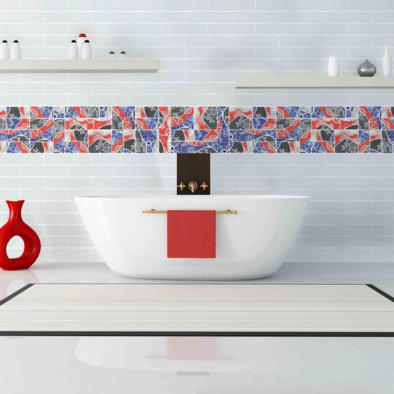 Aplicación de azulejos personalizados para baño.