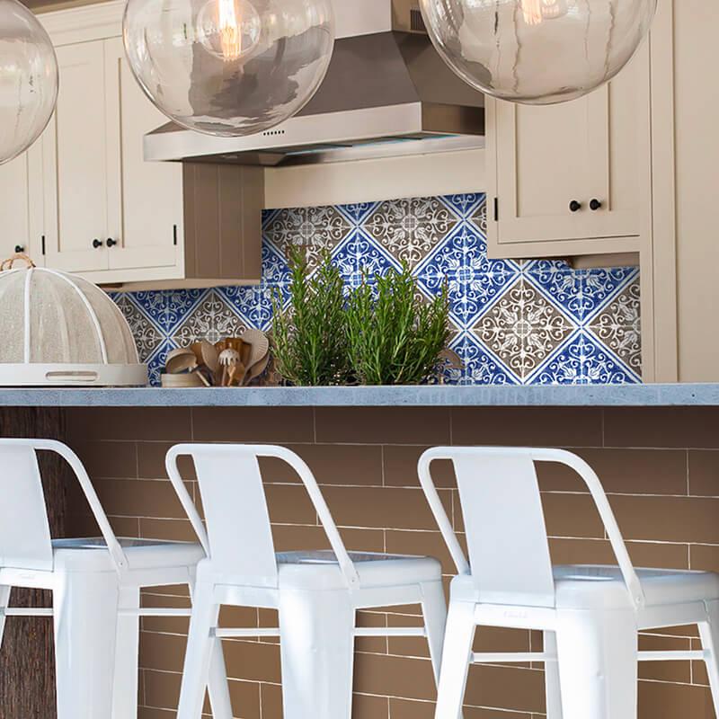 Azulejos personalizados en una aplicación de cocina