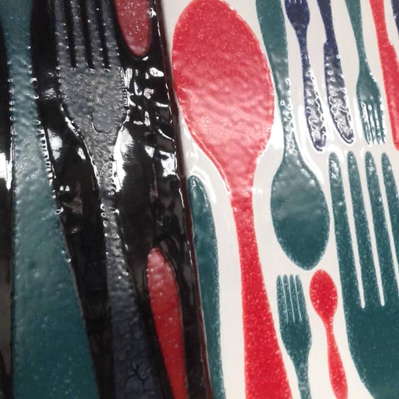 Azulejo con diseño personalizado con diferentes colores para cocina