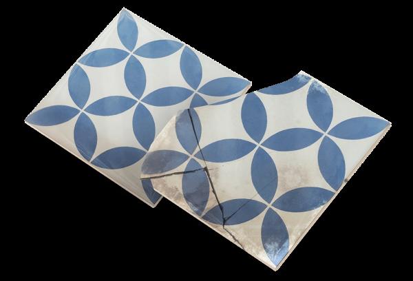 Azulejo descatalogado quebrado y azulejo duplicado indiferenciables
